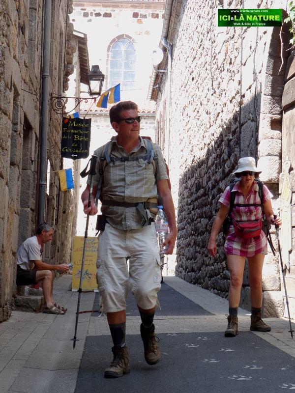 saugues hiking route santiago