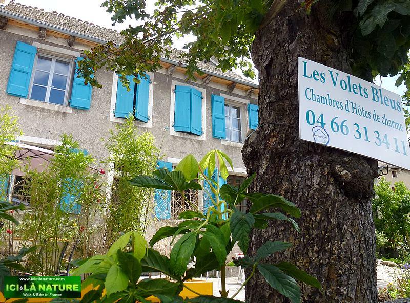 81-aumont-aubrac walking holidays france