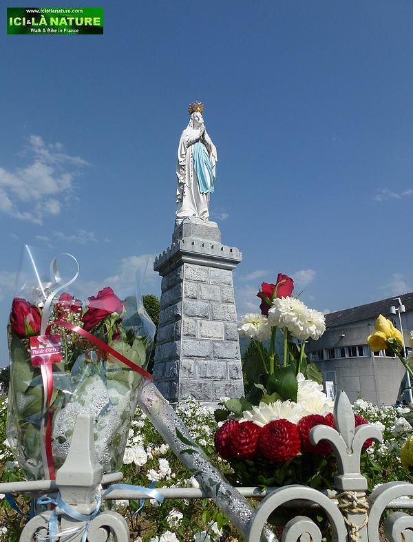 18-statue lourdes virgin