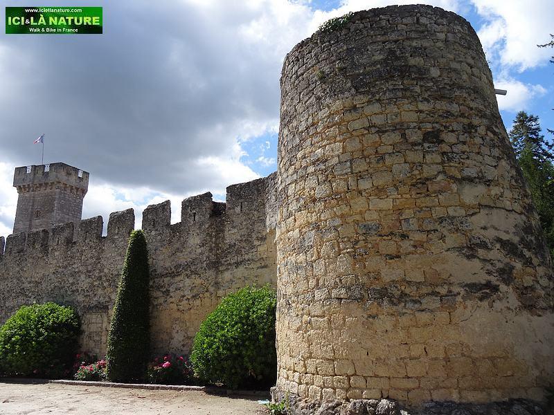 19-sainte croix du mont castle