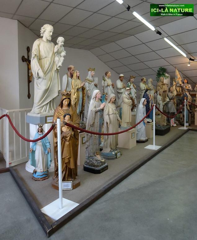 59-lourdes exhibition religious statues