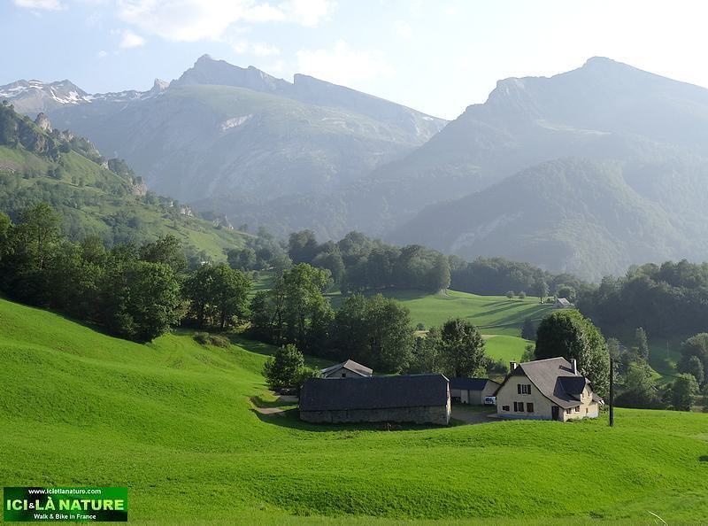 10-hiking french pyrenees soulor