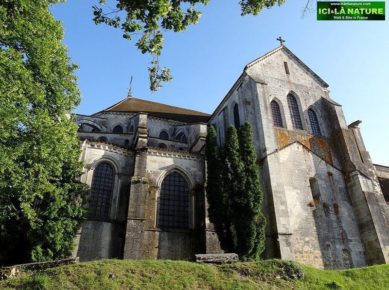 20-vezelay cathedral