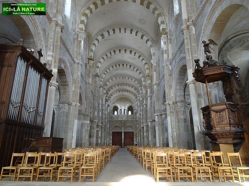 57-vezelay basilica nave