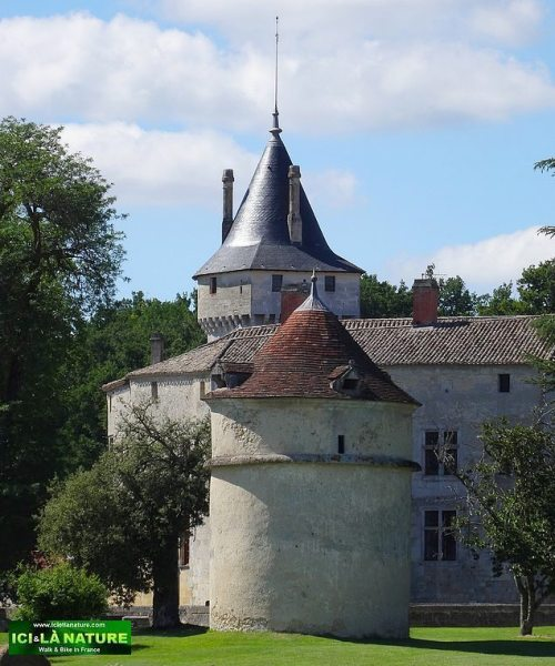 01-walking holidays france la brede castle