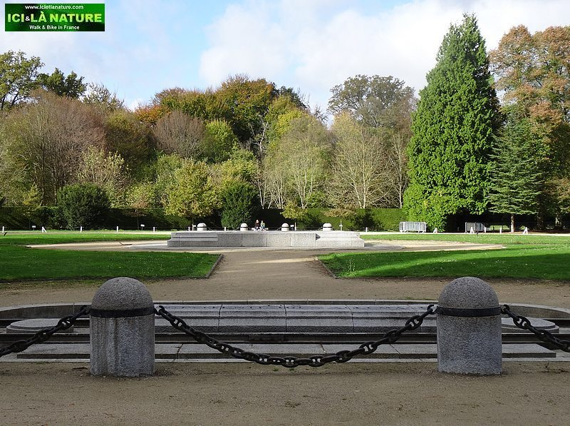 11-clearing of the armistice compiegne walk in france