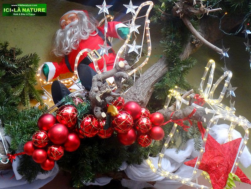 00-walking holidays christmas france
