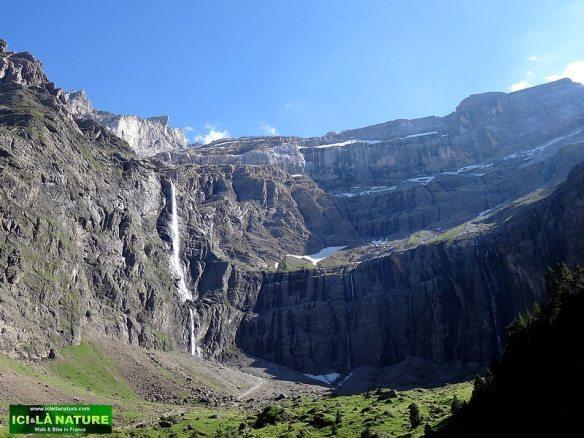 20-hiking pyrenees cirque de gavarnie