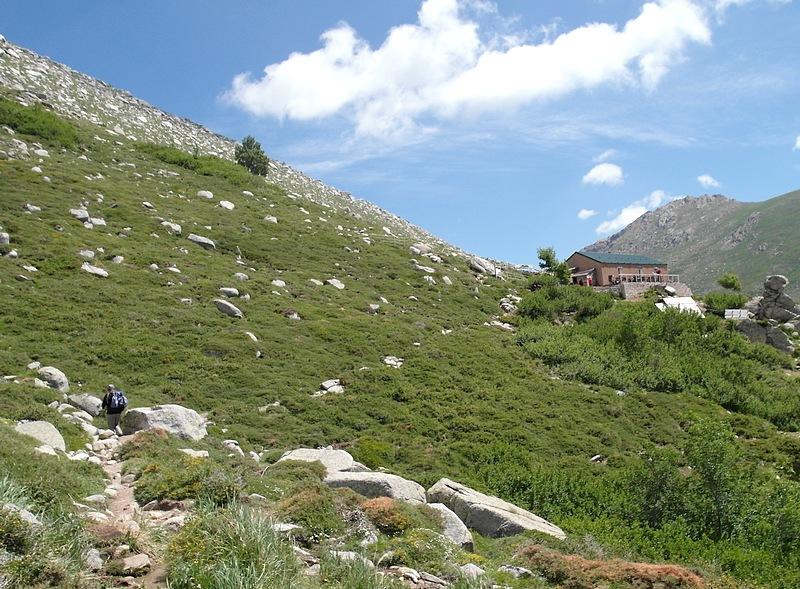 10-corsica hiking trip france