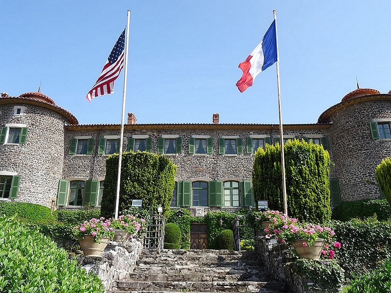 12-lafayette native castle france le puy