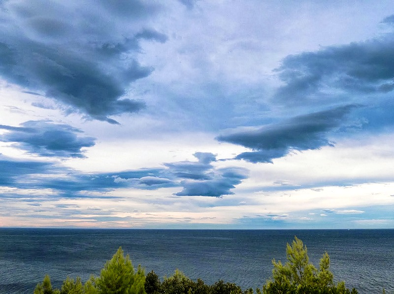 27-corsica walking holidays