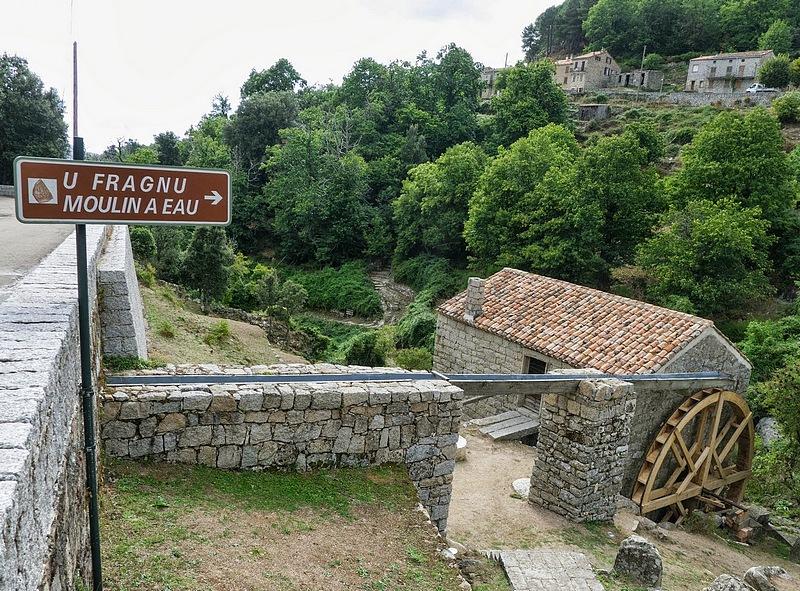 28-walking trekking corsica holidays