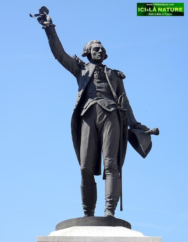 66-Le puy statue lafayette
