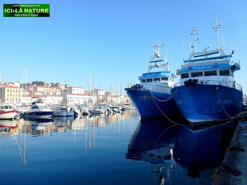 11-walking south france holidays