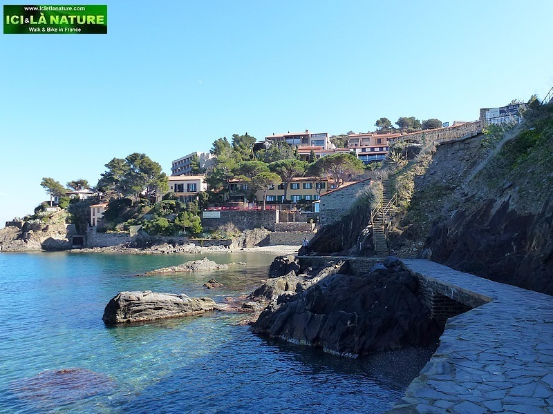 21-walks in south france mediterranean coast collioure catalonia