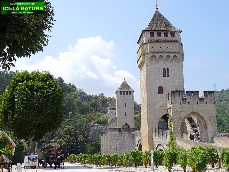 59-caminoway le puy route hiking trail cahors
