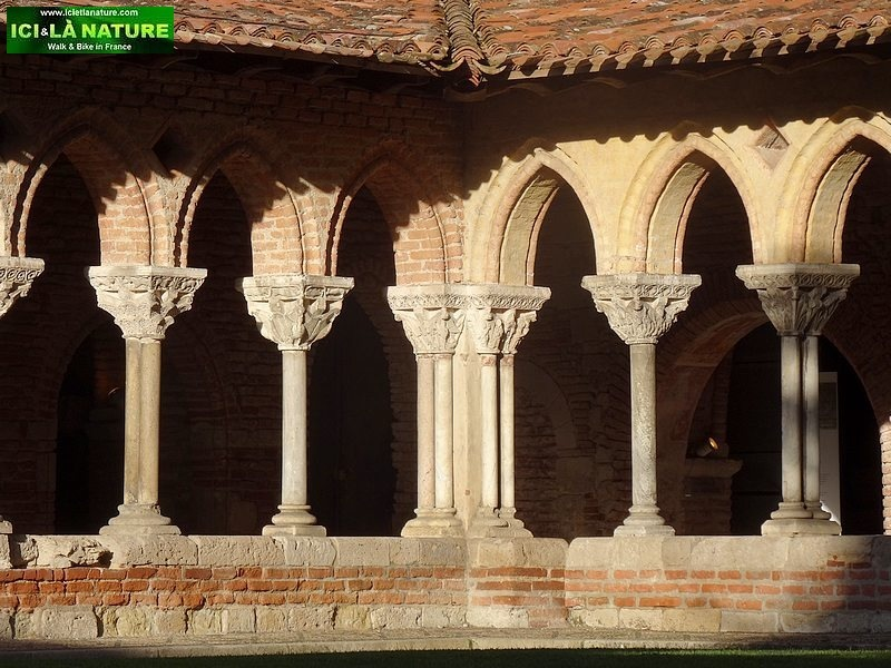 69-french way santiago camino moissac cloister