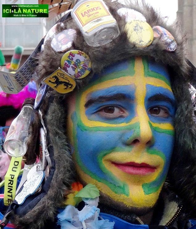 02-walking france holidays carnival