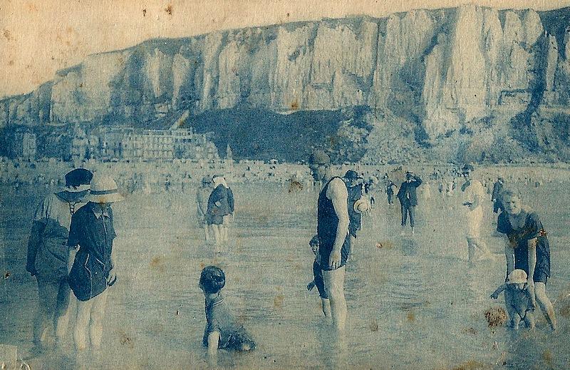 45-le treport old postcard 1920