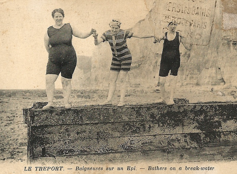 46-le treport-bathers on a break-water-postcard 1920