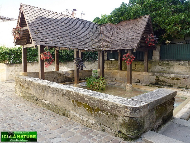 41-vieux lavoir saint emilion south france cycling