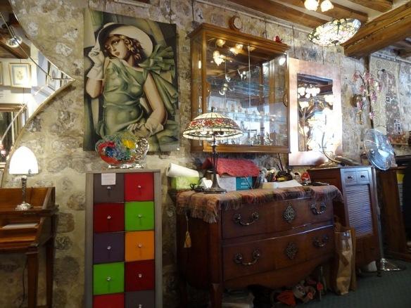 90-art shop normandy coast honfleur