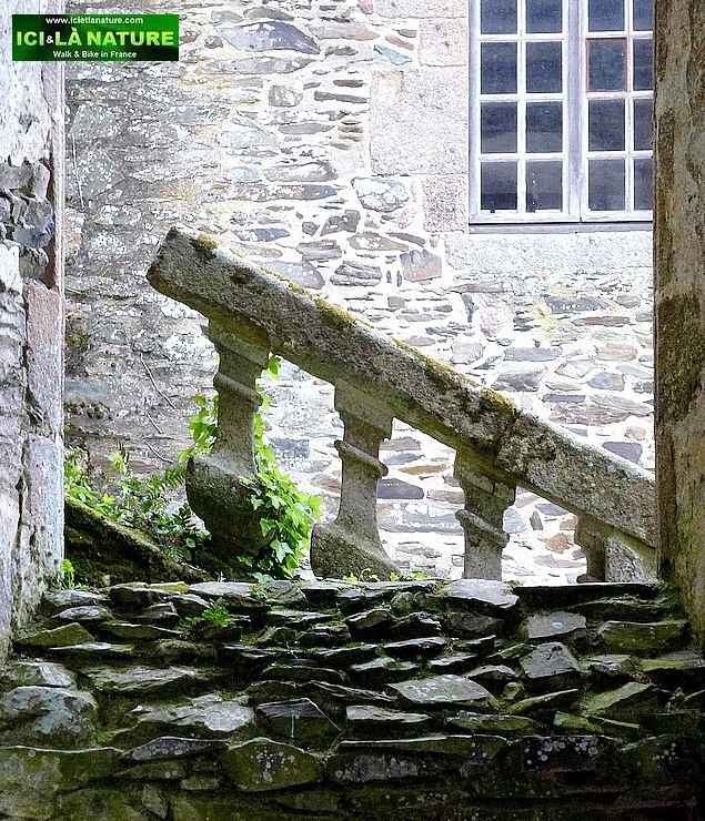 10-romanesque architecture france