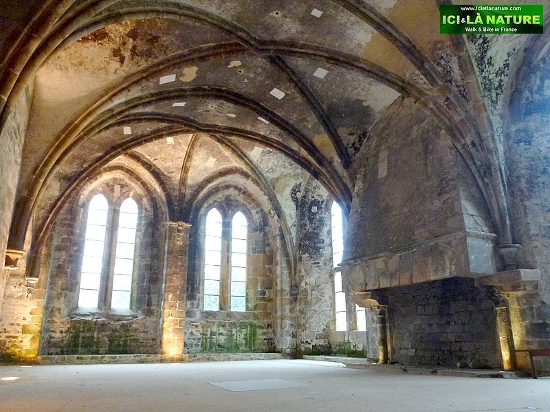 14-gothic religious art abbey france