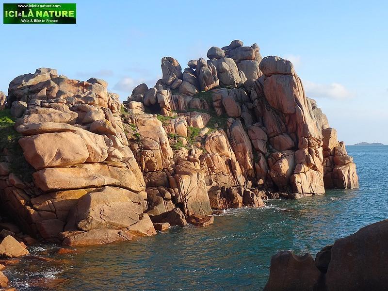 16-walking in brittany pink granite coast