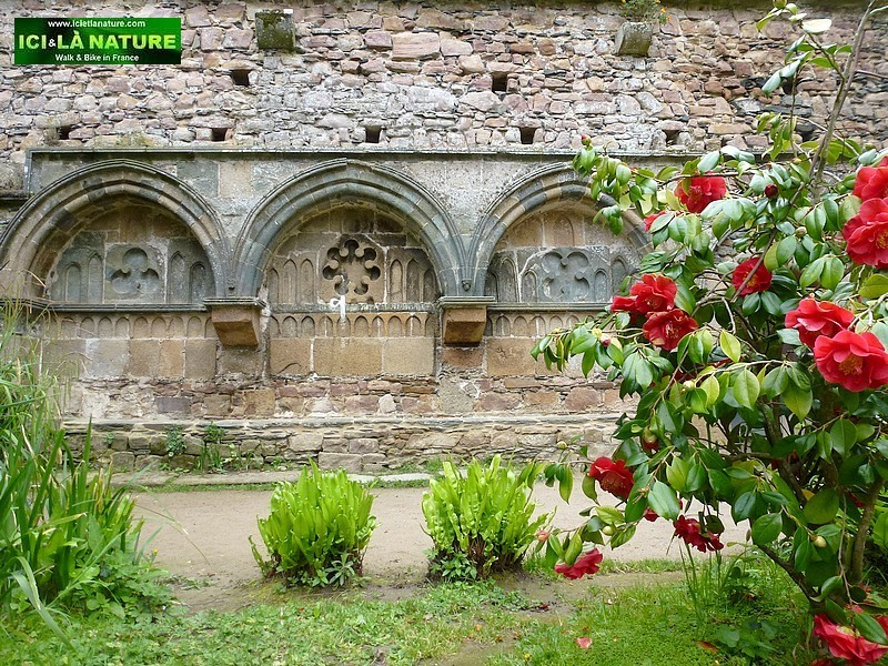 22-brittany north coast abbey