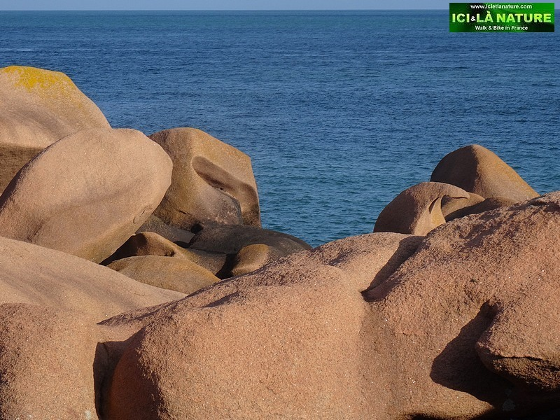 http://icietlanature.com/tour/11-brittany-guided-walking-group-along-the-pink-granite-coast