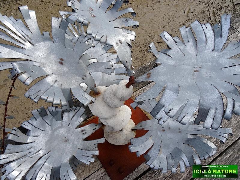 24-metal flowers oleron island