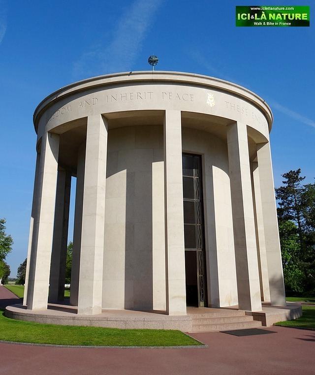 28-chapel normandy american cemetery