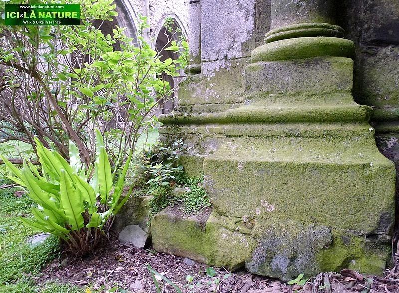 31-romanesque church france