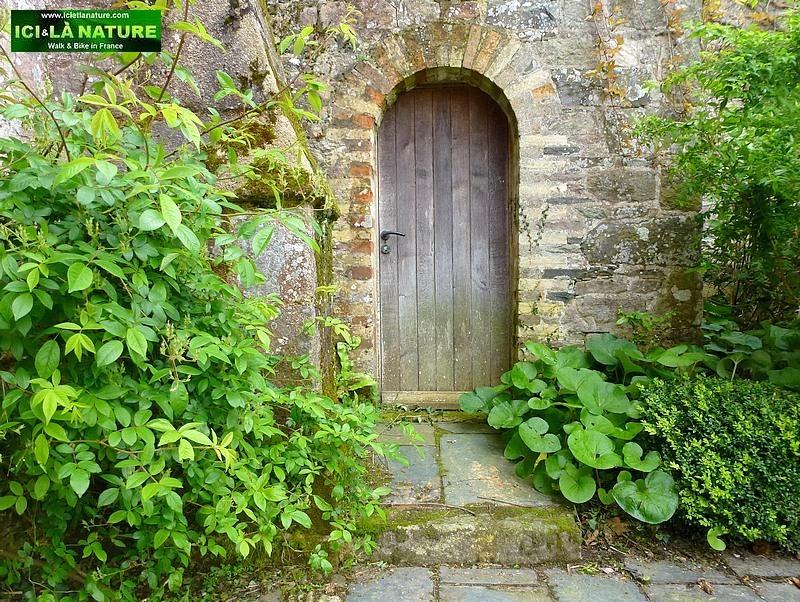 40-meurtre dans un jardin anglais
