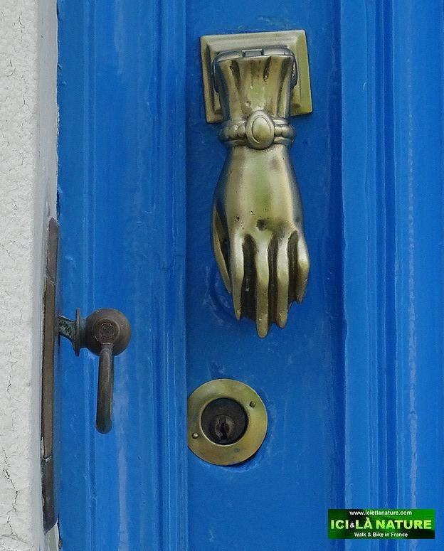 51-blue house charente france