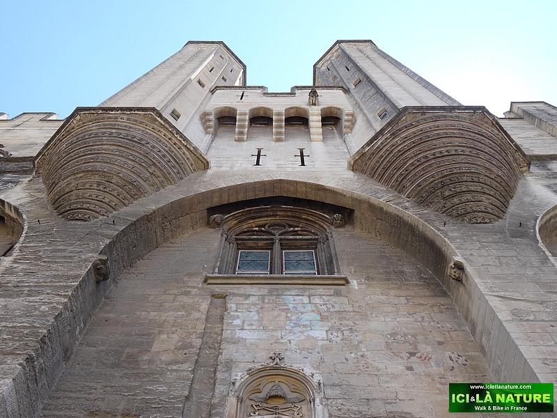 01-travel avignon provence pope's palace