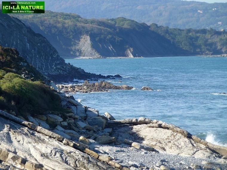02-basque coast cycling holidays basque country