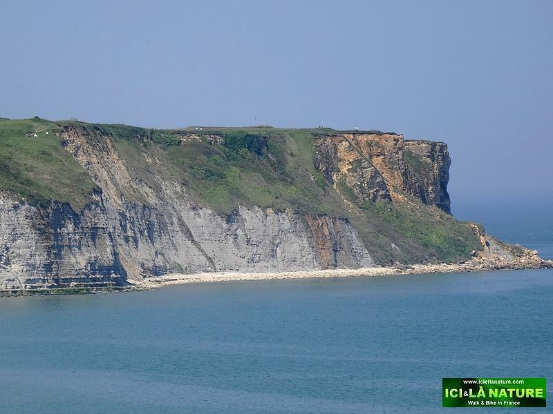 02-gold beach cliffs arromanches