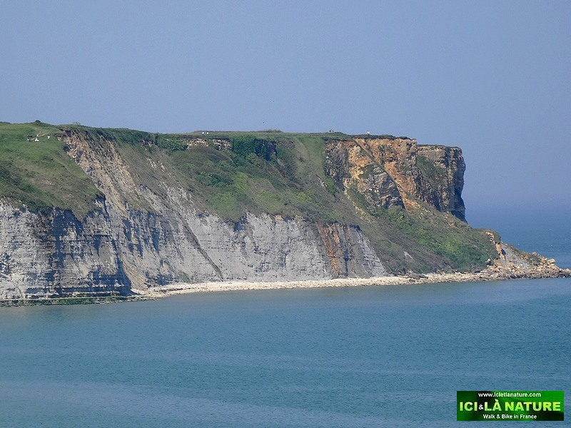 02-gold beach cliffs arromanches