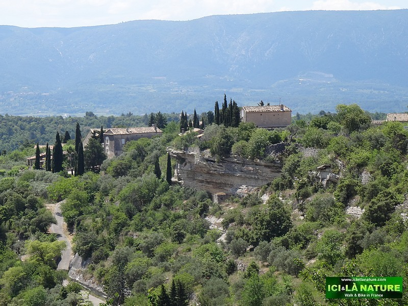 02- photo provence landscape-gordes luberon