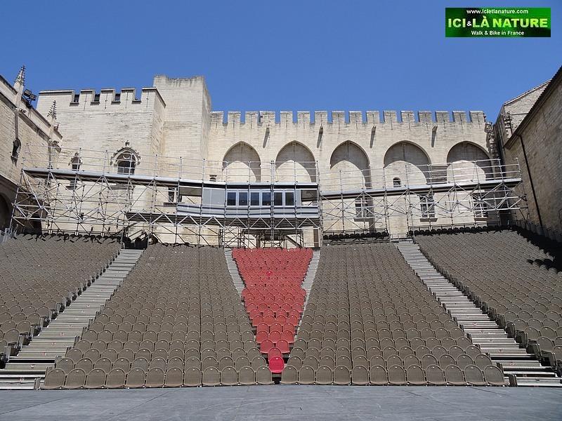 05-festival avignon cour d' honneur theatre