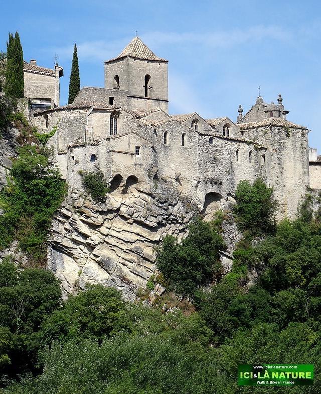 05- photo church provence vaison la romaine