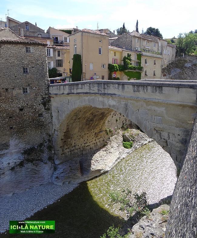 09-roman bridge provence vaison