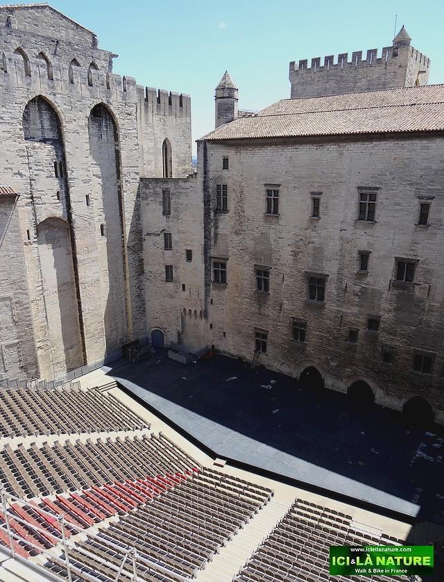 12-festival avignon cour d' honneur palais des papes