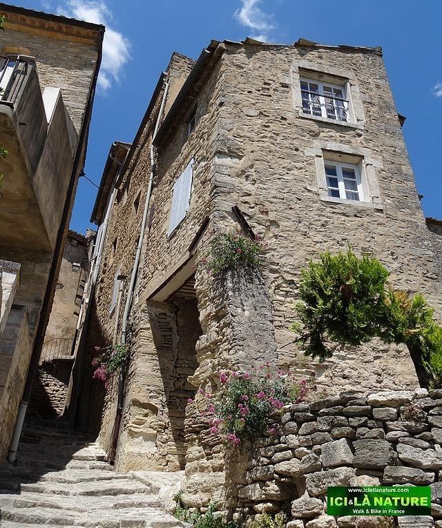 15-old street provence gordes