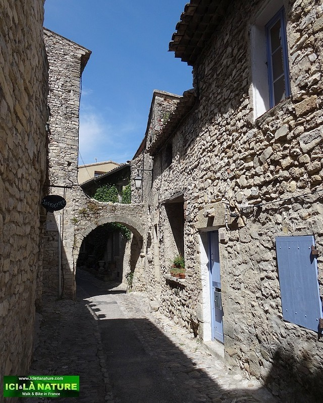 28-provence village old street
