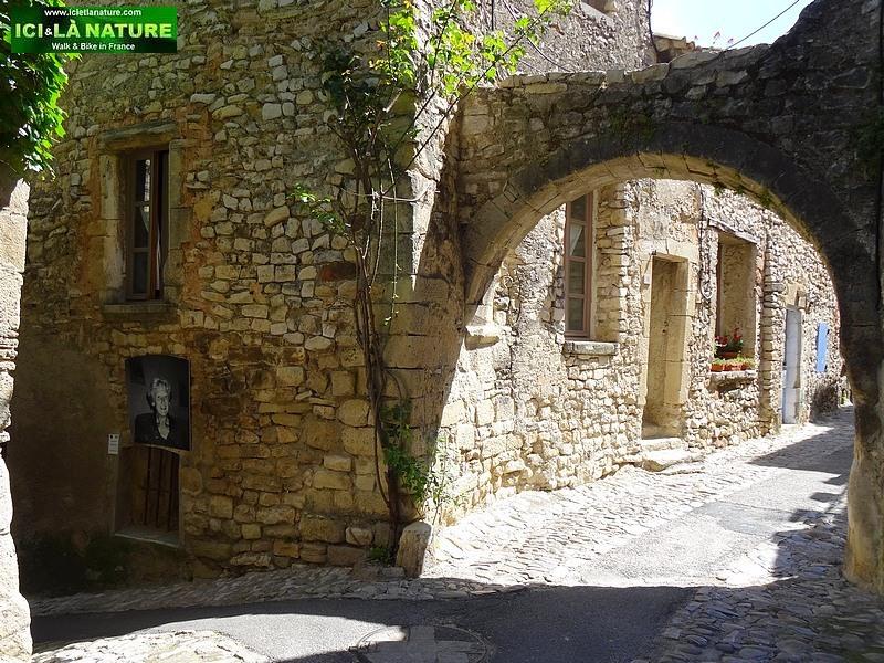 31-vieille rue pavée provence