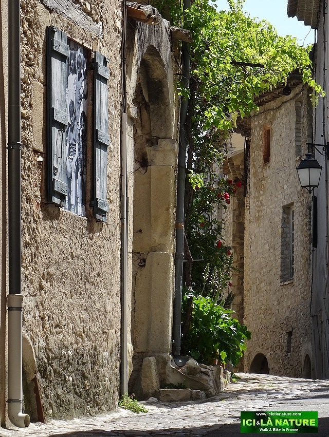 34-plus beau village provence vaison la romaine