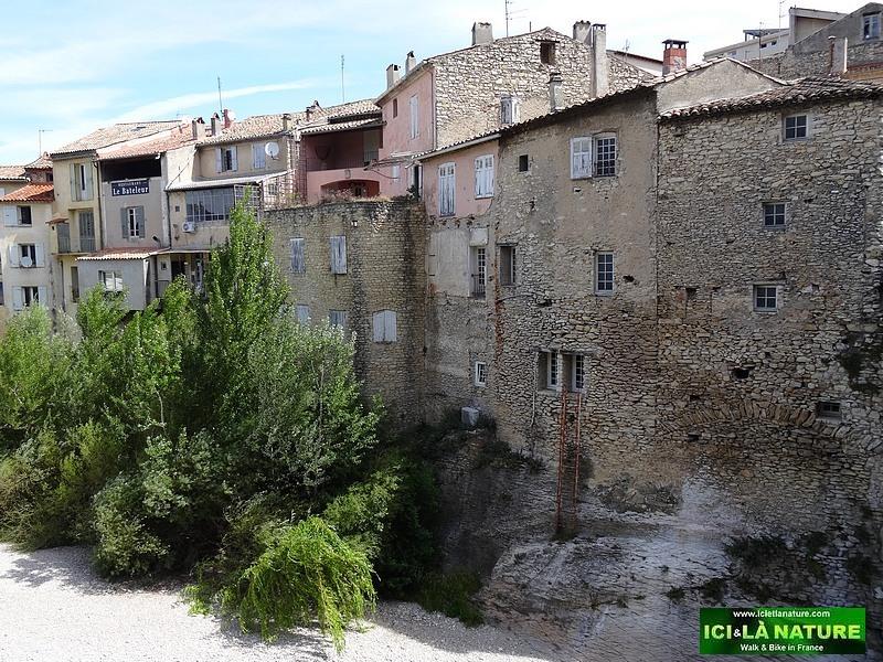 35-vaison la romaine river provence